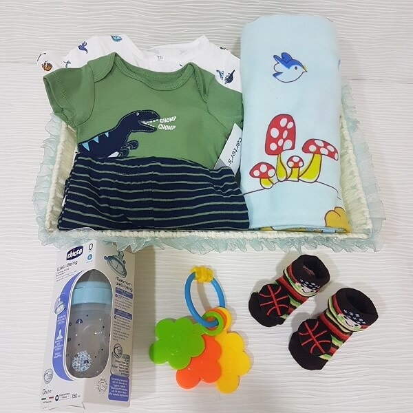 How to Choose a Gift for a Newborn Baby?