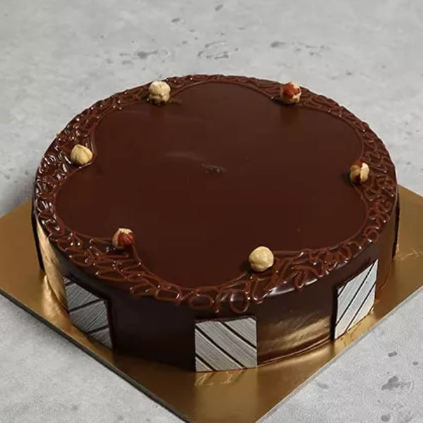 Eggless Hazelnut Choco Cake