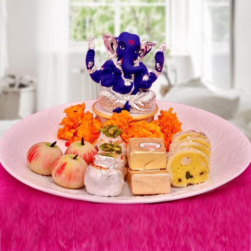 Ganesha & Sweets