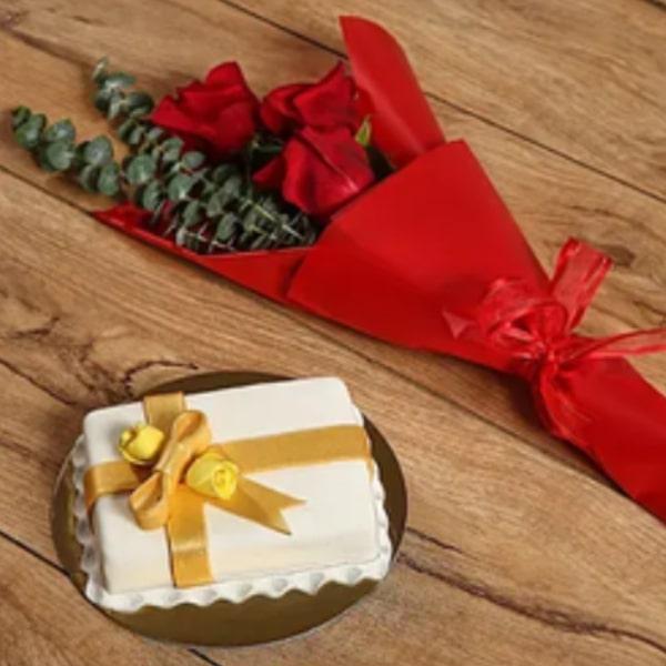 Roses Bouquet & Designer Mono Cake