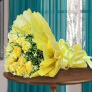 10 Yellow Roses