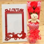 Frame & Bear Rose Bouquet