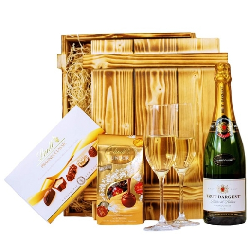 Sparkling Wine with Lindt Chocolate