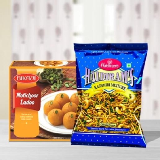 Boondi Laddoo & Kashmiri Mixture