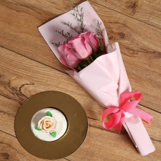 Pink Roses & Mono Cake