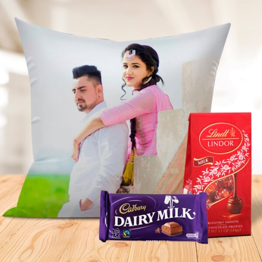 Romantic Personalized Cushion with Chocos